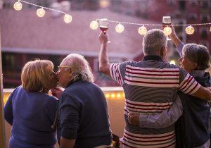 Sentir placer no tiene caducidad: estigmas sociales afectan la sexualidad de los adultos mayores