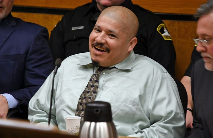 Condenan a muerte a mexicano indocumentado que mató a policías en California