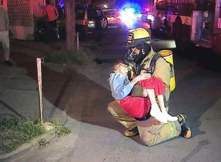 Deja incendio en asilo de Monterrey dos muertos y varios intoxicados