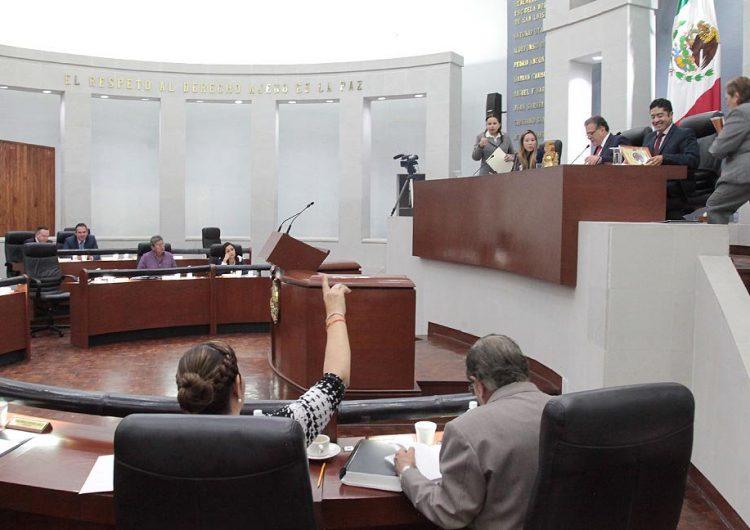 Tres diputados de SLP dejan curul para buscar otro cargo