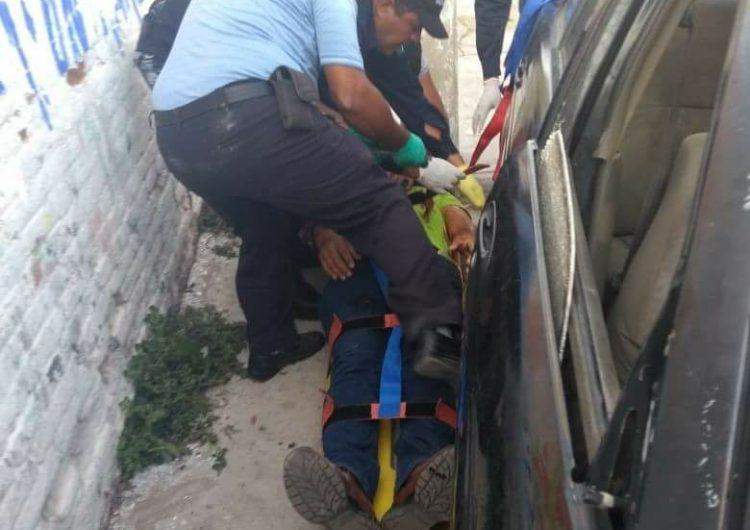 Atacan a dos maestros de la Sección 22 en el Istmo, matan a uno; se suma a ola de violencia que azota a Oaxaca y ha derivado en por lo menos cinco decenas de ejecutados en las últimas semanas en las regiones de Valles, Istmo y Cuenca
