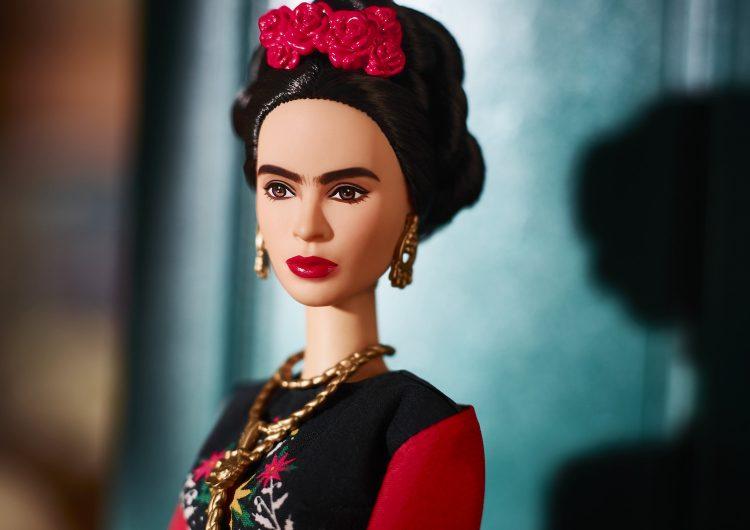 kahlo-familia-muñeca-mattel-barbie-frida-kahlo-mujeres-destacadas
