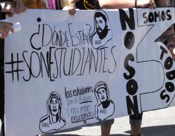 Analizan policías de Tonalá detenidos por estudiantes desaparecidos interponer queja ante DH