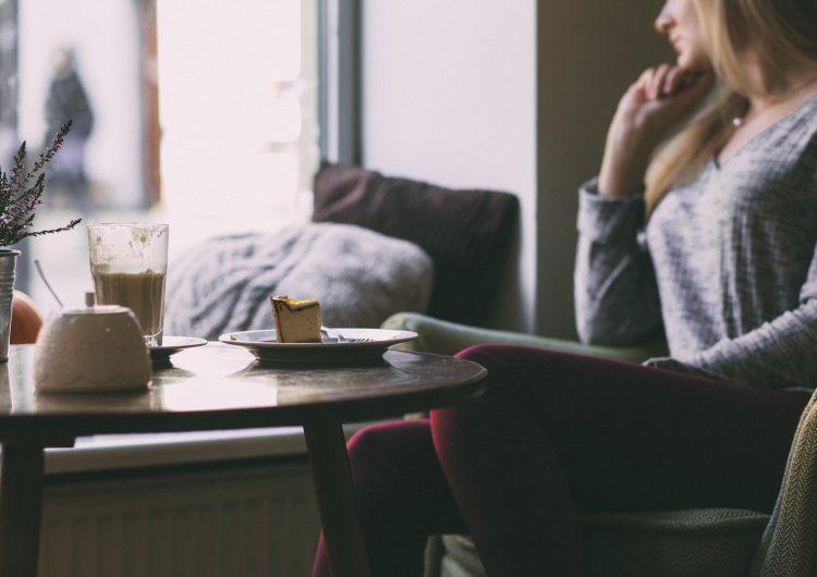 La soledad aumenta el riesgo de morir de un infarto, según estudio