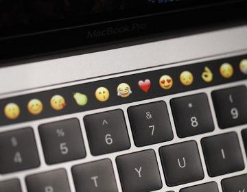 ¿Apple planea eliminar el teclado? Nueva patente parece apuntar hacia una MacBook de doble pantalla