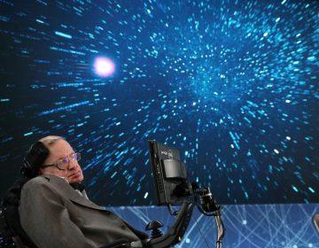 Stephen Hawking dice que la humanidad debe salir de la Tierra, y estas son sus razones