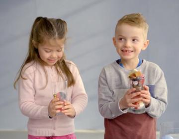 Niños y niñas responden así a un experimento para explicar la brecha de género en el mundo