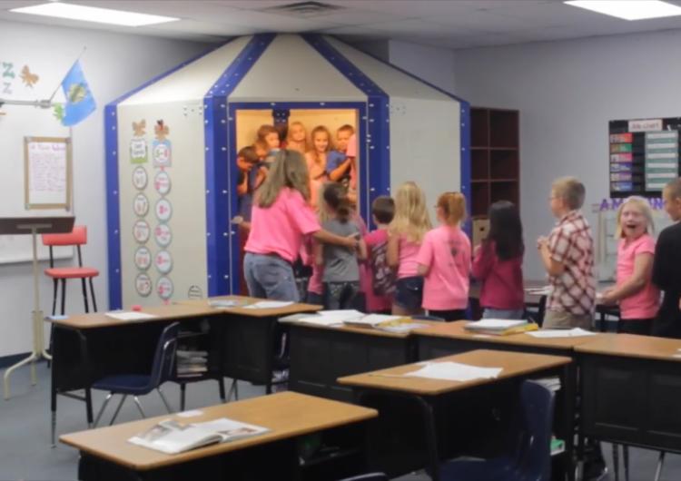 Oklahoma se convierte en el primer estado de EE.UU. en usar refugios antibalas para proteger a estudiantes