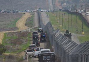 Trump enviará más de 2 mil soldados a la frontera hasta que construya su muro
