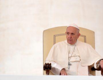 El papa Francisco reconoce que subestimó escándalos de abuso sexual en Chile