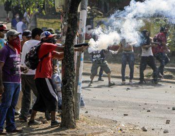 Un periodista muere mientras transmitía las protestas en Nicaragua; suman más 20 fallecidos