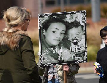 Las claves para entender el caso Alfie Evans: el bebé que murió pese a la batalla legal de sus padres