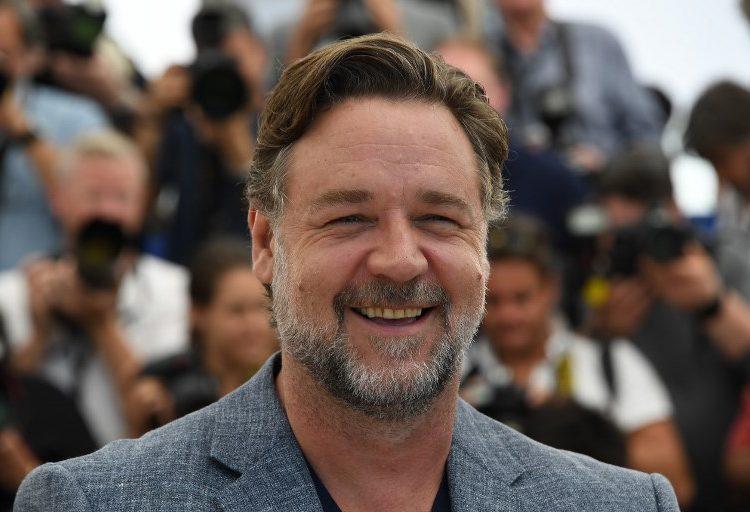 """Russell Crowe subasta la armadura de """"Gladiador"""" y otros objetos para pagar su divorcio"""