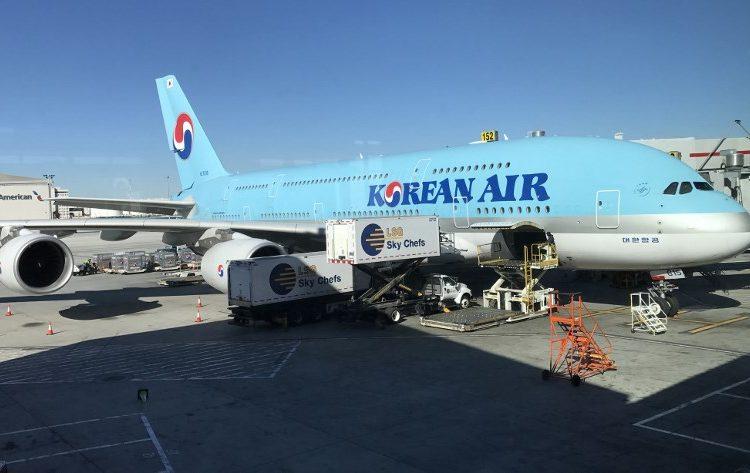 Por rabieta durante junta, Korean Air suspende a una directiva vaso