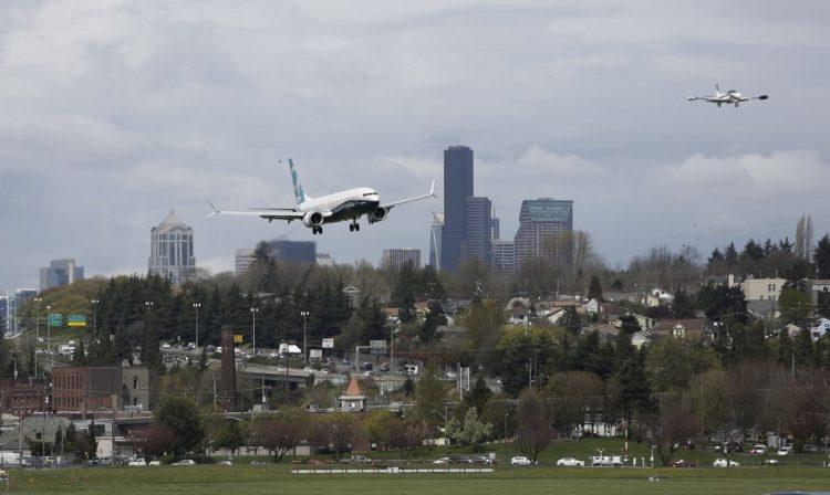 Aerolíneas estadounidenses desvían sus vuelos para evitar cruzar por Rusia