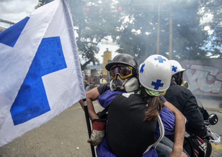 policía-médicos-venezuela-pacientes-protestas