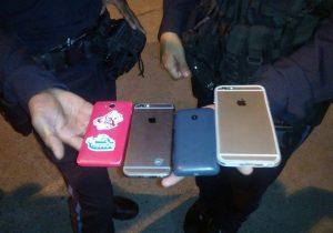 Vinculan a proceso a banda que robaba celulares en la Feria