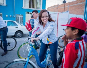 Recorre Martha González su distrito en tercera semana de campaña
