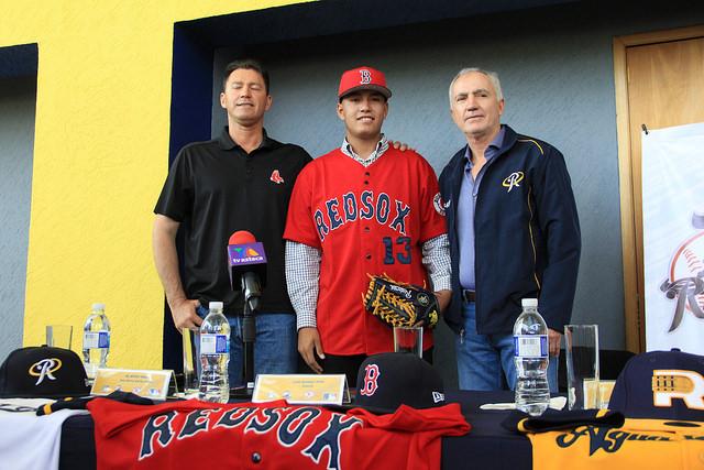 Firman Medias Rojas de Boston a Rielero aguascalentense