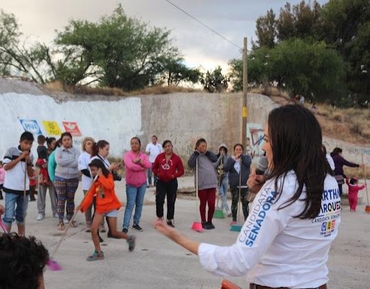 Apuesta Martha Márquez al rescate de espacios públicos en campaña
