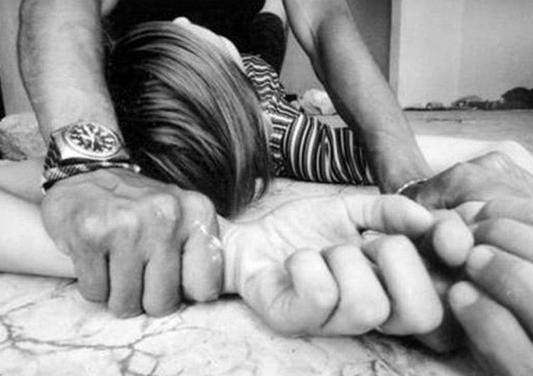Violan y asesinan a mujer frente a su hijo de 7 años en NL; en el país se investiga un ultraje cada 49 minutos
