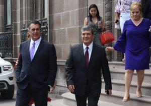 """Regresa """"El Bronco"""" a NL…a posar para la foto; crece rechazo para que vuelva a gobernar"""