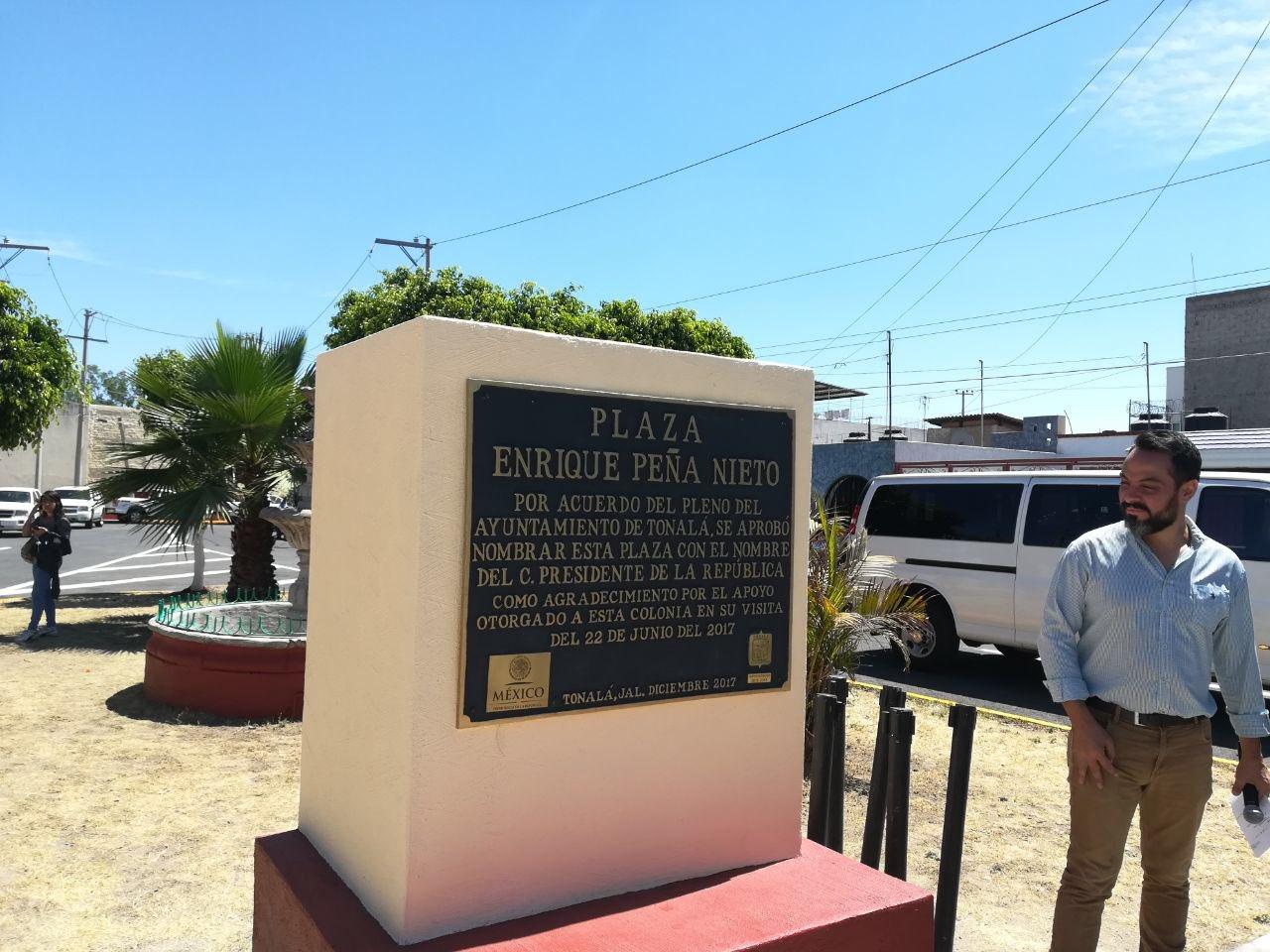 Inauguran plaza con el nombre de Enrique Peña Nieto en Jalisco