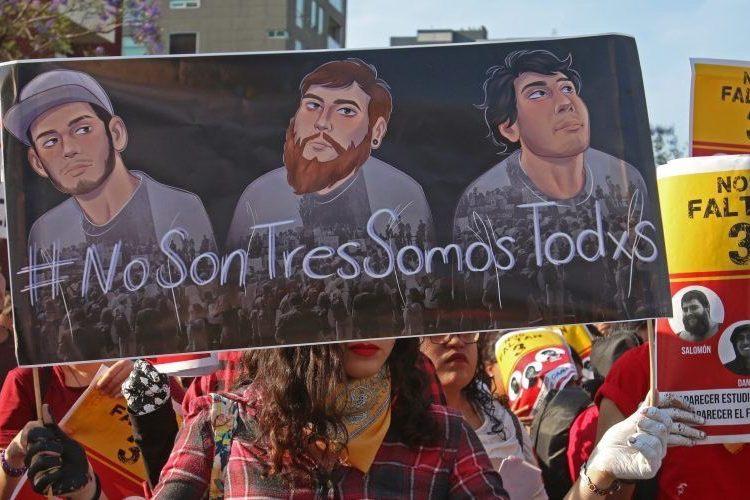 """Estudiantes de cine fueron asesinados en finca del CJNG: Fiscalía; inconformes cuestionan """"verdad histórica"""" de Sandoval"""