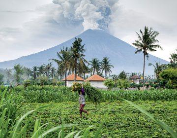 Una erupción supervolcánica de hace 74,000 años revela evidencia de cómo podríamos sobrevivir a un evento similar