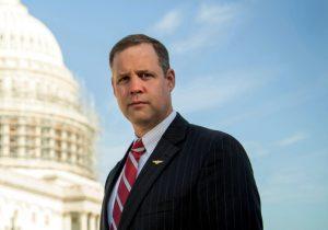 ¿Quién es Jim Bridenstine? El nuevo líder de la NASA y un escéptico del cambio climático