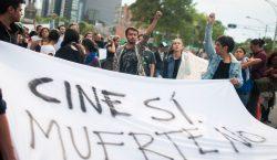 """""""Cine sí, muerte no"""": ciudadanos marchan en CDMX y Jalisco…"""