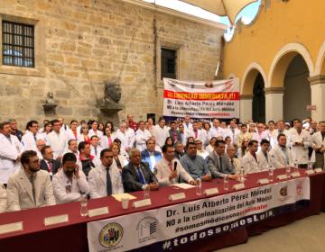 Exigen médicos de Jalisco mayor presupuesto a las instituciones de salud pública; protestas se extienden