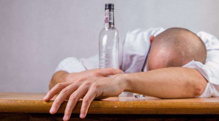 ¿Salud?, NL es líder en ingesta diaria de alcohol; más de 11 mil muertes son causadas por beber