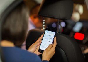 El Senado mexicano pide cuentas a Uber; proponen regulación para evitar delitos en sus autos