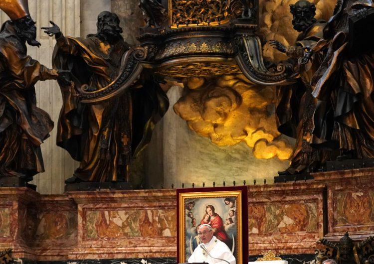 ¿El demonio es real? El papa Francisco dice que las noticias falsas vienen del infierno