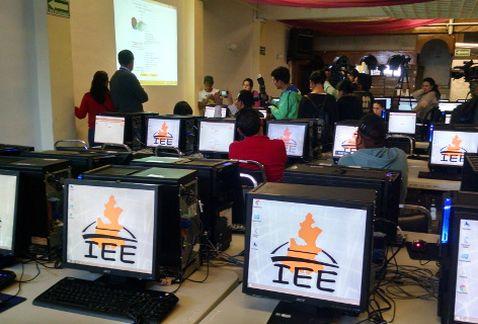Ya planea el IEE el debate en Puebla