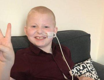 Jay, el niño de 7 años que pudo comer por primera vez tras cinco trasplantes de órganos