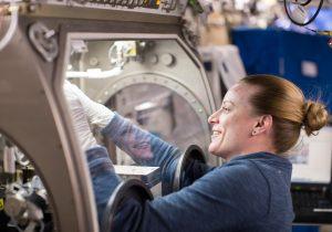 SpaceX lanzó esperma, un receptor de basura espacial y otras cosas a la Estación Espacial Internacional