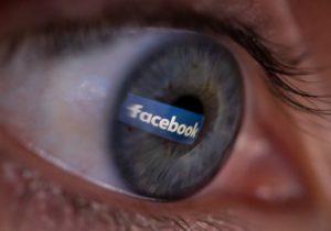 Cierra Cambridge Analytica tras el polémico acceso a datos personales en Facebook