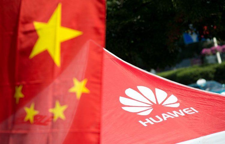 El Pentágono prohíbe la venta de celulares Huawei y ZTE en bases militares