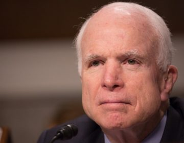 McCain prepara su funeral: no quiere que asista el presidente Donald Trump
