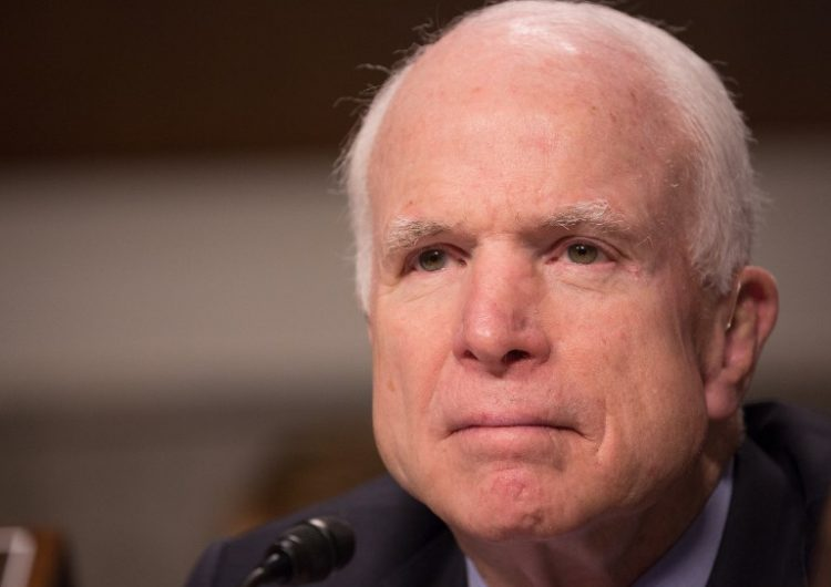 senador-McCain-funeral-asista-Trump