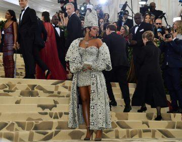 La célebre gala del Met en Nueva York entre vírgenes, ángeles y papisas (Fotos)
