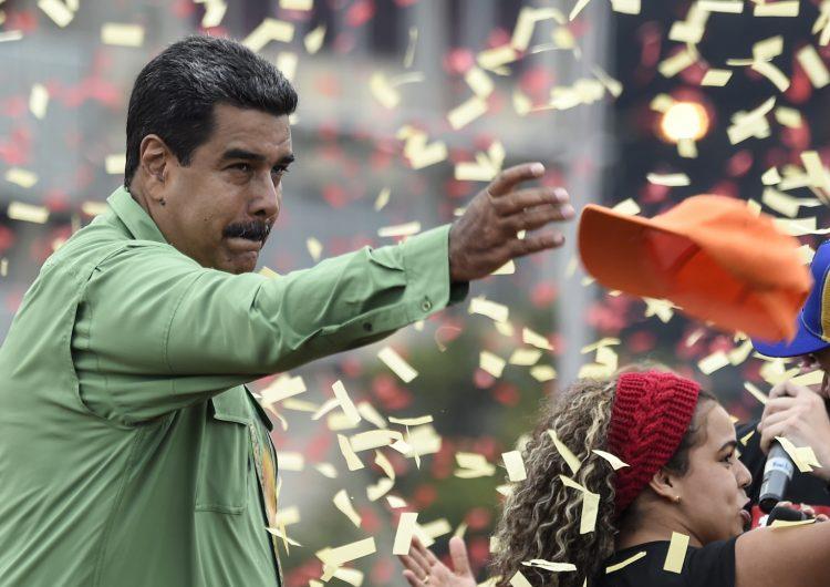 La oposición disuelta y Venezuela en su mayor crisis: así domina Maduro el puntero de elecciones