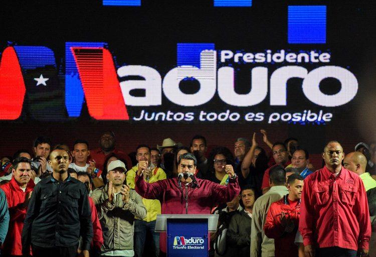 Maduro presume su reelección con 67% de los votos; la oposición desconoce el resultado