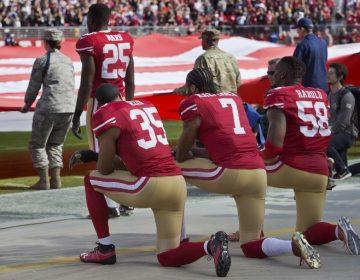 """La NFL restringe protestas durante el himno nacional; es una """"victoria"""" para Donald Trump, afirma Pence"""