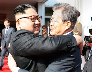 Los líderes de las Coreas se reúnen para reparar los planes de cumbre con Trump