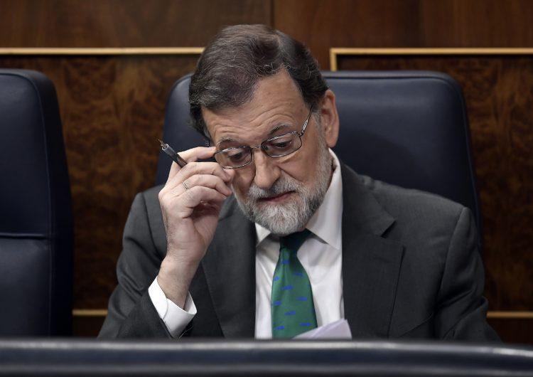 ¿Por qué el Parlamento español quiere destituir al presidente Mariano Rajoy?