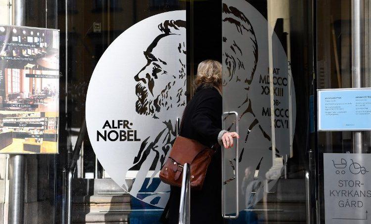 Nobel de Literatura: cuatro miembros de la Academia sueca dimiten tras escándalos sexuales