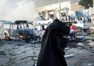 Grupo islamista Al-Shabab lapida a una mujer acusada de tener 11 maridos